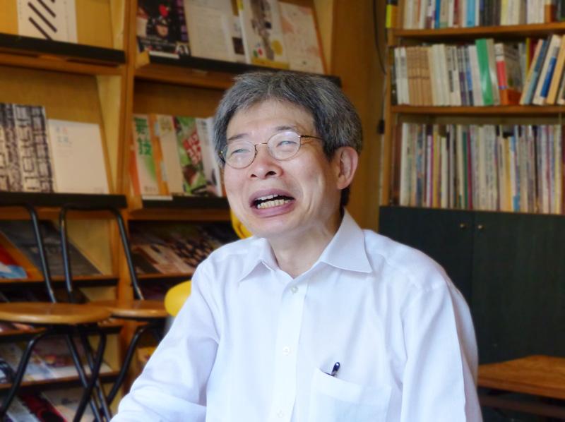 青年団主宰・芸術総監督 平田オリザは、日本の現代演劇界で、今もっとも注目されている劇作家・演出家です。